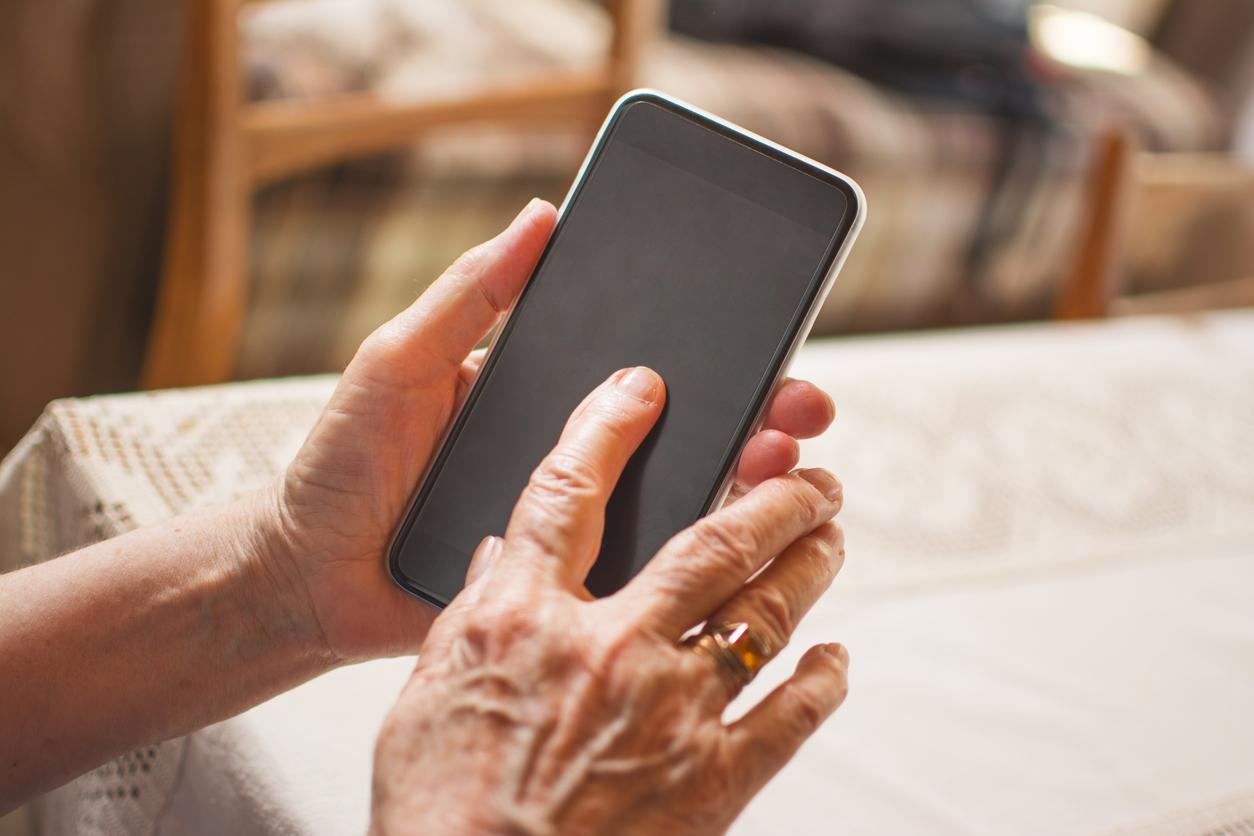 Majority of Baby Boomers Now Own Smartphones